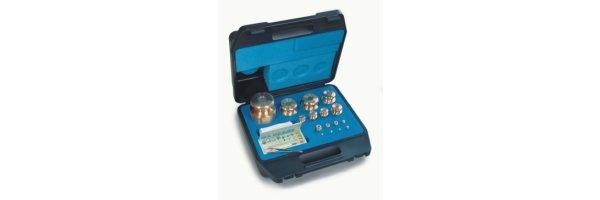 M1 Gewichtssätze Knopfform Messing feingedreht im Koffer