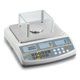 Max 15 kg |  Ablesbarkeit 5 g | Wägeplatte 300x240 | 0,005 g